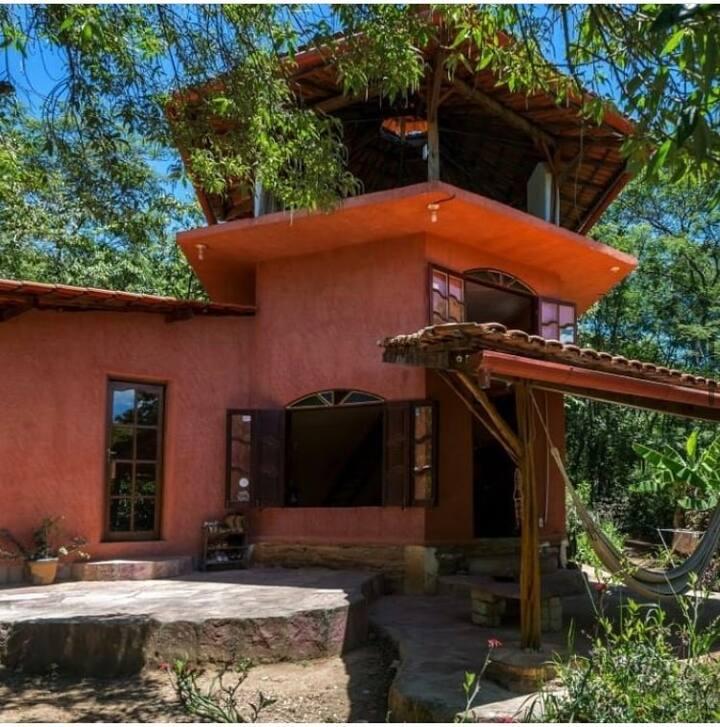 Casa inteira em lindo sítio com pomar e rio