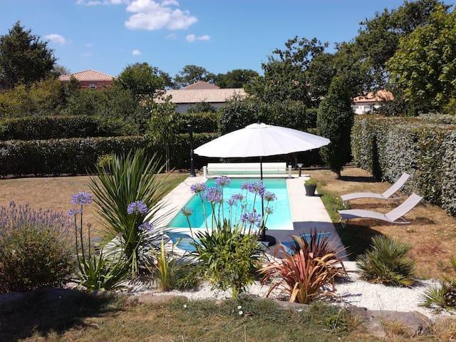 St Brevin Maison familiale piscine chauffée privée