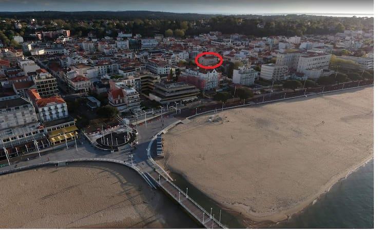 Idéalement situé, plage, hyper-centre + parking ok