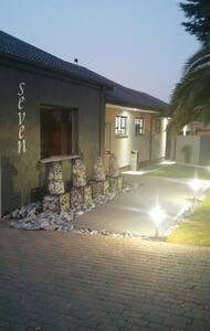 Siesta Guest House - Alberton