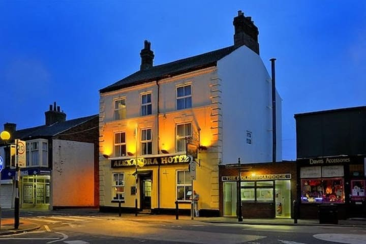 Alexandra Hotel Withernsea - Withernsea - Bed & Breakfast
