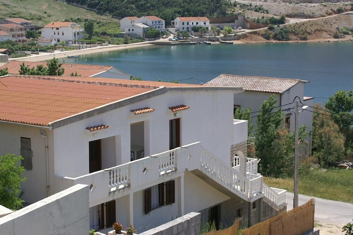 Two bedroom apartment with air-conditioning Metajna, Pag (A-4150-a)