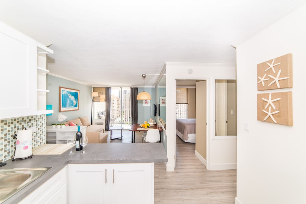 2 Bedroom In The Heart Of Waikiki Parking Wifi Apartments For Rent In Honolulu Hawaii