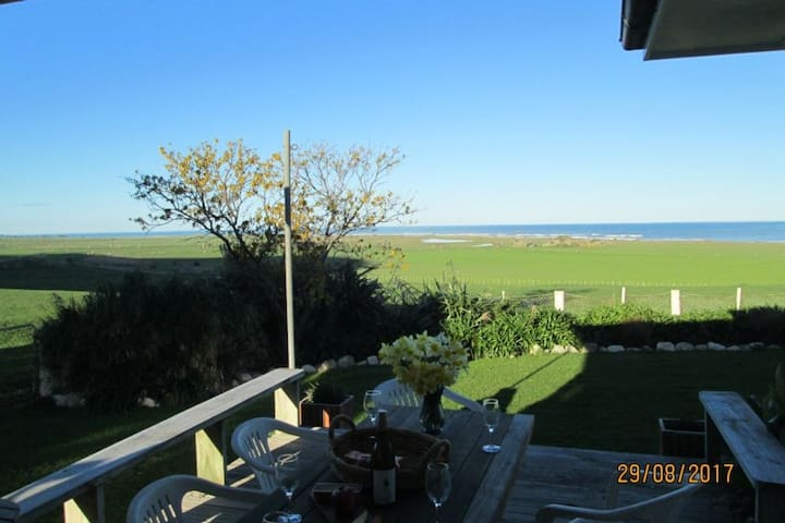 Ocean View- Coastal Accommodation-Diving & Fishing