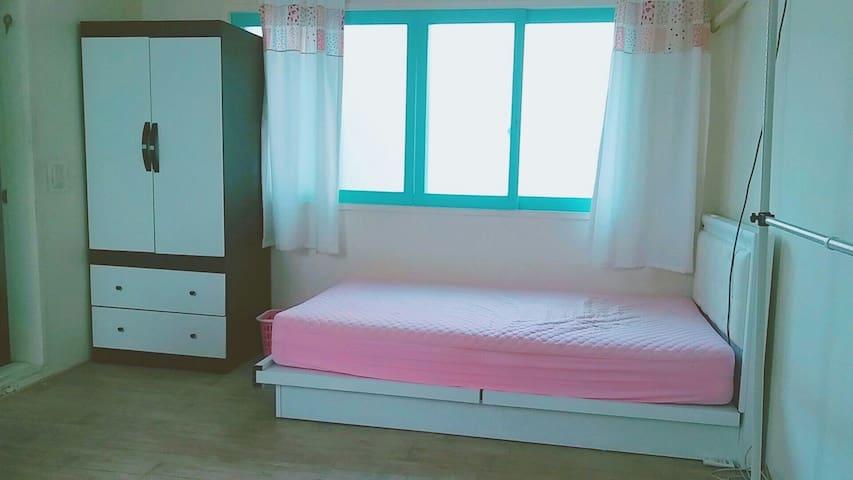 104 Private room+private bathroom