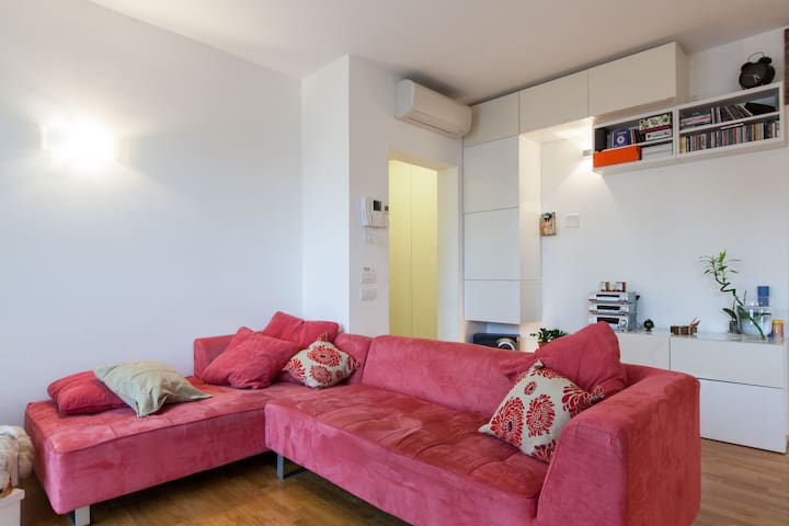 Bright Room with Private Bathroom - Milaan - Appartement