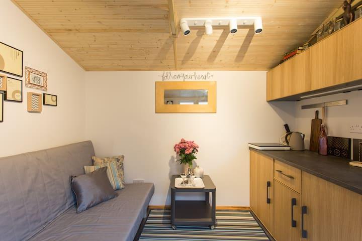 Wooden Hut off Brick Lane Wi-Fi