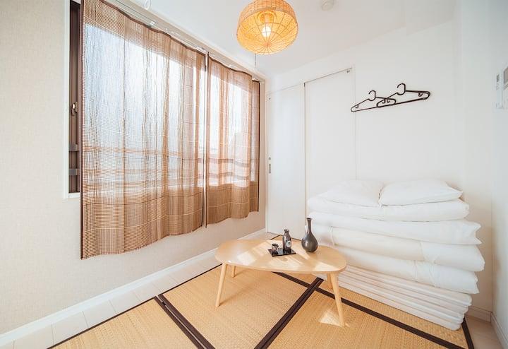 Sunny apartment near Nippori Sta. 5min/tatami room