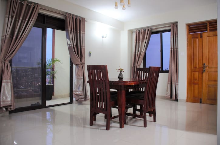 FAHARI-KAMPALA* 5-7 MIN WALK TO ACACIA MALL* WiFi*
