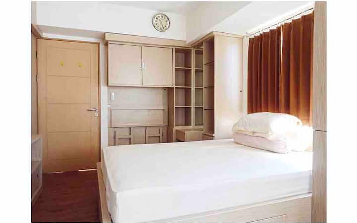 Corner Studio Fully Furnished - Educity Apt (East)