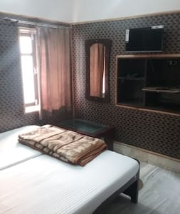 TEERTH GUESTHOUSE - AC Double Bedroom