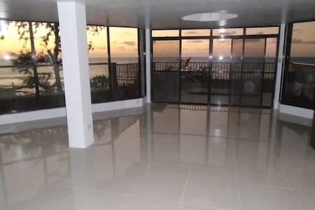 "A view like a dream became trough ""Glass-Palace"" - San Fernando - 公寓"