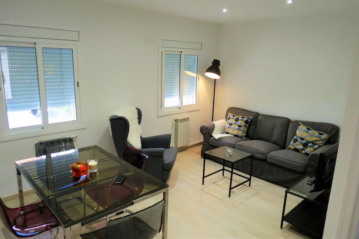 Stylish 2 bedrooms near the metro - Barcelona - Appartement