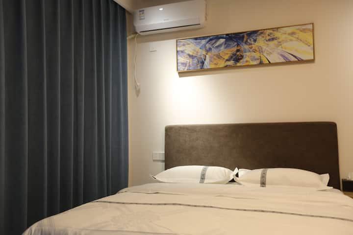 【每日消毒】 北站万达商圈私密小区公寓(409)