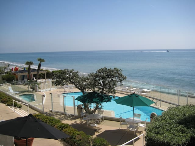 Malibu Beachfront Condo with Pool & Spa