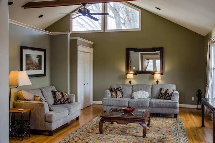 Twin Maple Carriage House