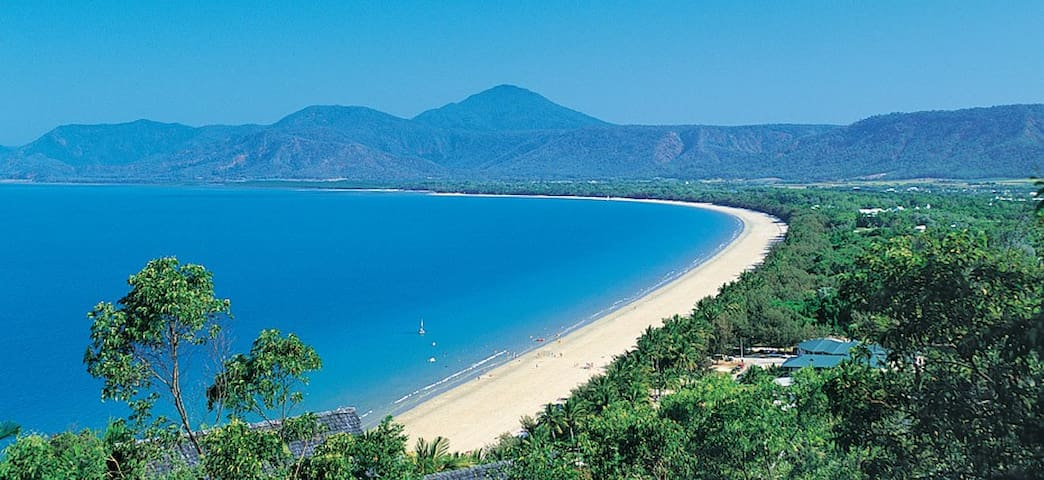 Tropicool Four Mile Beach Studio Apartment - Port Douglas