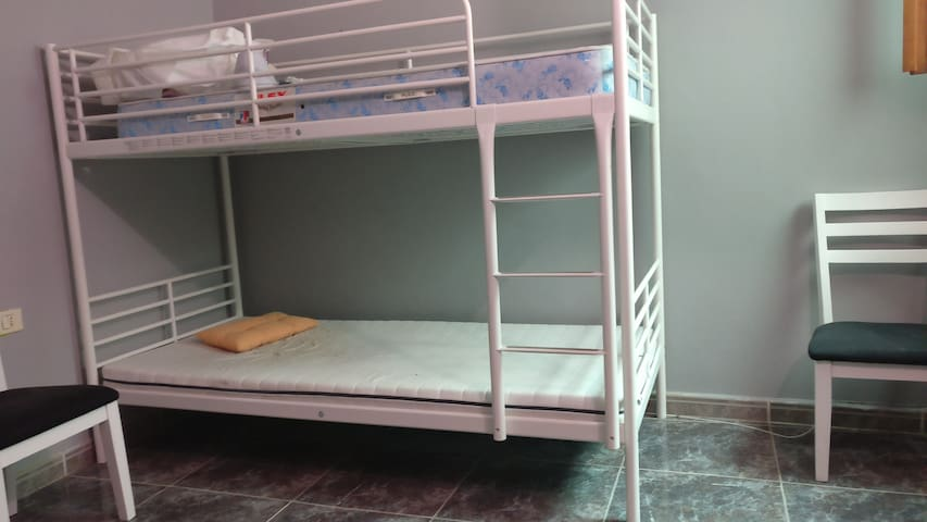 habitacion chafiras con cama litera