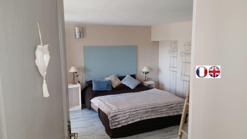 Chambre sur jardin entrée privative - Lurcy