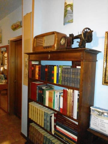 B&B Soggiorno Petrarca Room 1 - Bed and breakfasts for Rent ...