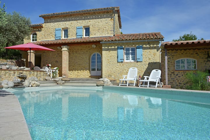 Heritage Villa in Les Mages with Swimming Pool