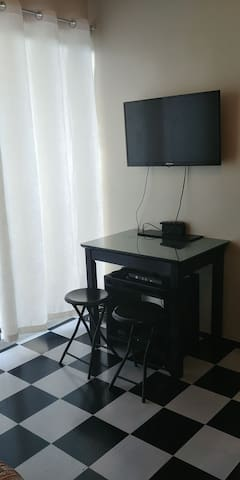 Black & White Studio Unit