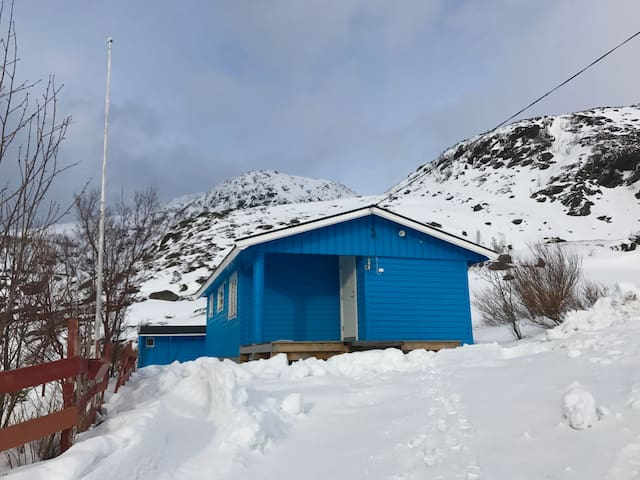Den Blå Hytta i Hønseby, på Nordre Seiland. - Hammerfest - Mökki