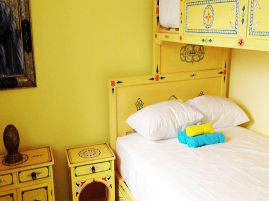 Habitacion Triple con Litera, especial para matrimonio con hijos.