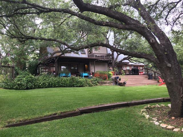 Lakeland Lodge, Best of Boat Worlds - Austin