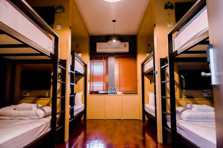 Male1 Dormitory at Exclusive Hostel(price per bed)