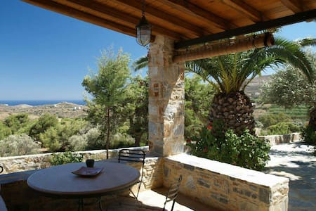 Traditional farmhouse, great sea view - Syros - Дом