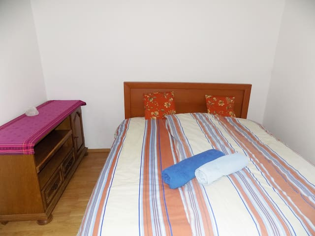 Cosy & quiet room in a lovely house near Split - Žrnovnica