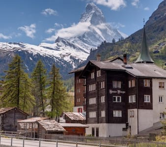 Holidays at the famous Matterhorn - Zermatt - Lejlighed