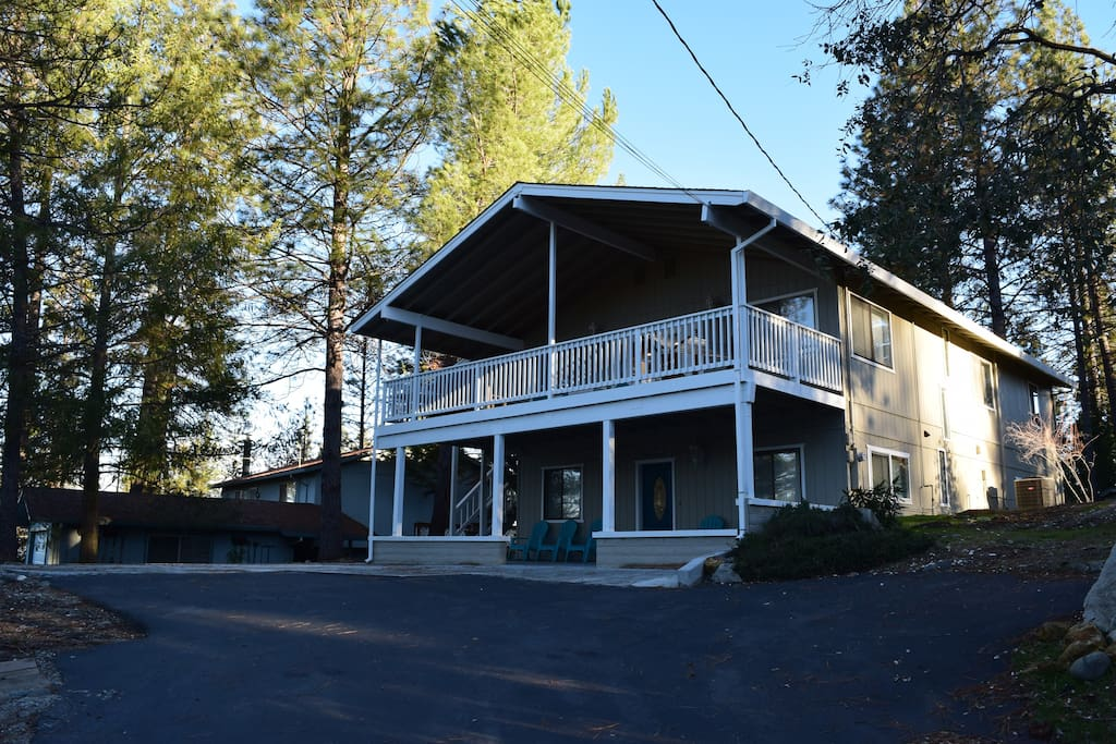 Good times cabin cabins for rent in groveland for Groveland ca cabin rentals