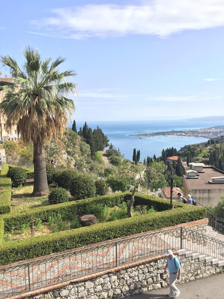Casa vacanza vicino Taormina/Giardini Naxos