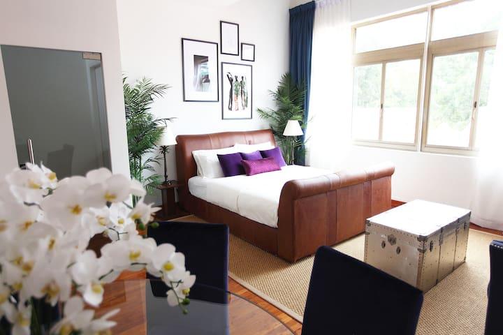 Gorgeous 2-Floors Raffles Penthouse Duplex:)!