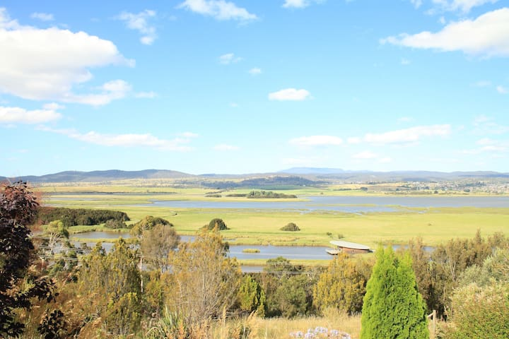 Picturesque Large 4BDR House in Tamar valley