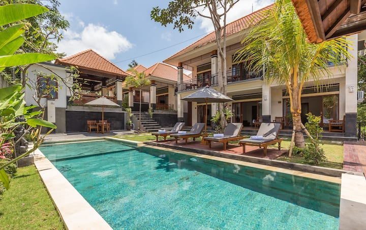 Upscale Balinese Living In Canggu with Huge Garden