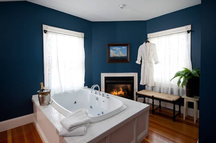 Chapman Cottage Jacuzzi And Soaking Tub Rooms Boutique Hotels For Rent In York Harbor Maine United States
