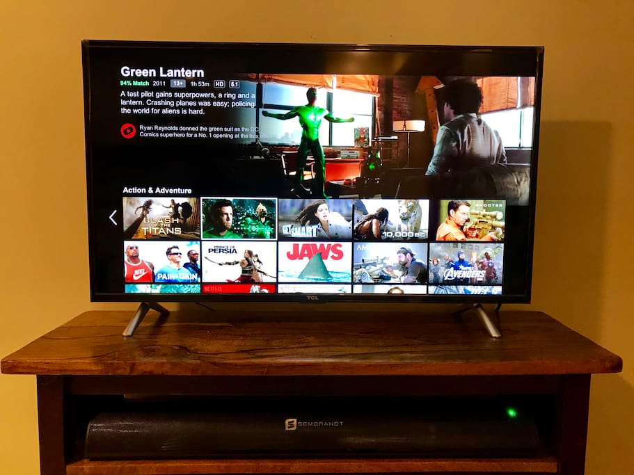 Watch Netflix Movies anytime ! Brannd New 40inch LED Smart TV in the living room