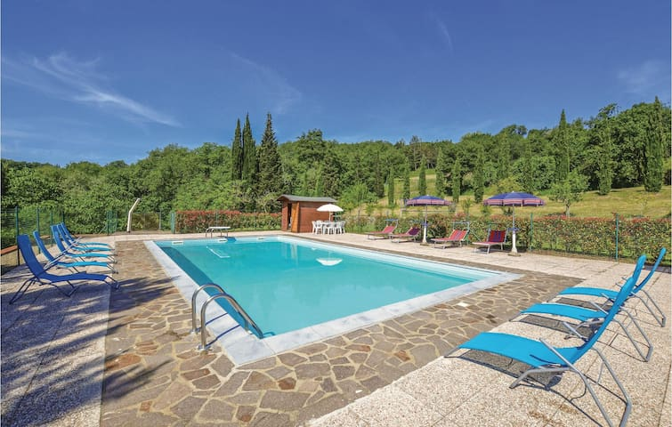 Holiday cottage with 4 bedrooms on 300m² in Capolona (AR)