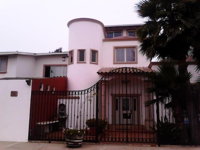 Habitaciones o casa completa - Ensenada - Maison