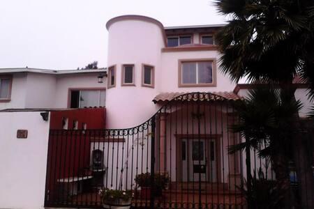 Habitaciones o casa completa - Ensenada - Huis