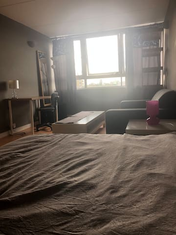 Large double bedroom near central London.