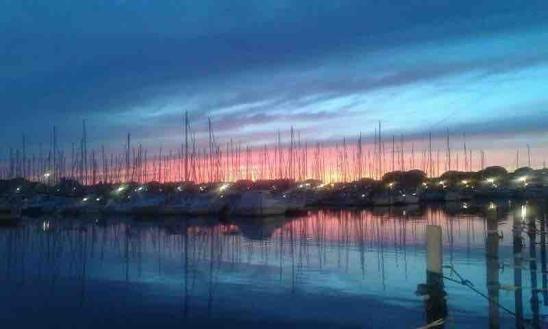 Merci à Patricia pour cette belle photo d'un coucher de soleil à port-camargue