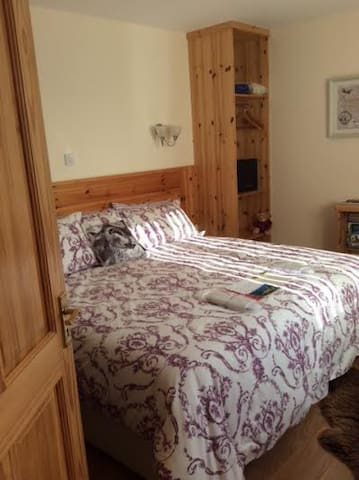 CAIRN VIEW B&B BORRERAIG BY DUNVEGAN IV55 8ZY - Dunvegan - Bed & Breakfast