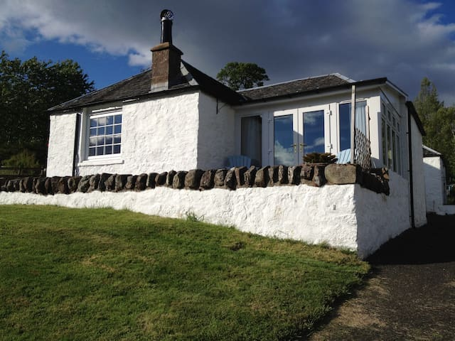 Kestrel Cottage with Stunning Views