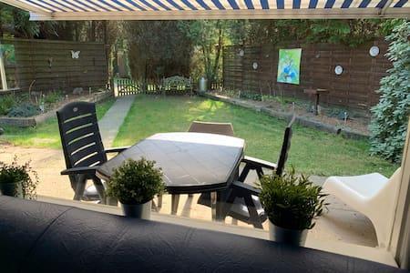 Airco WIFI & Fietsen in uw privé tuin