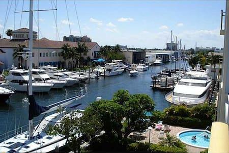 Modern 1br /1bth boatyard haven - Fort Lauderdale - Pis