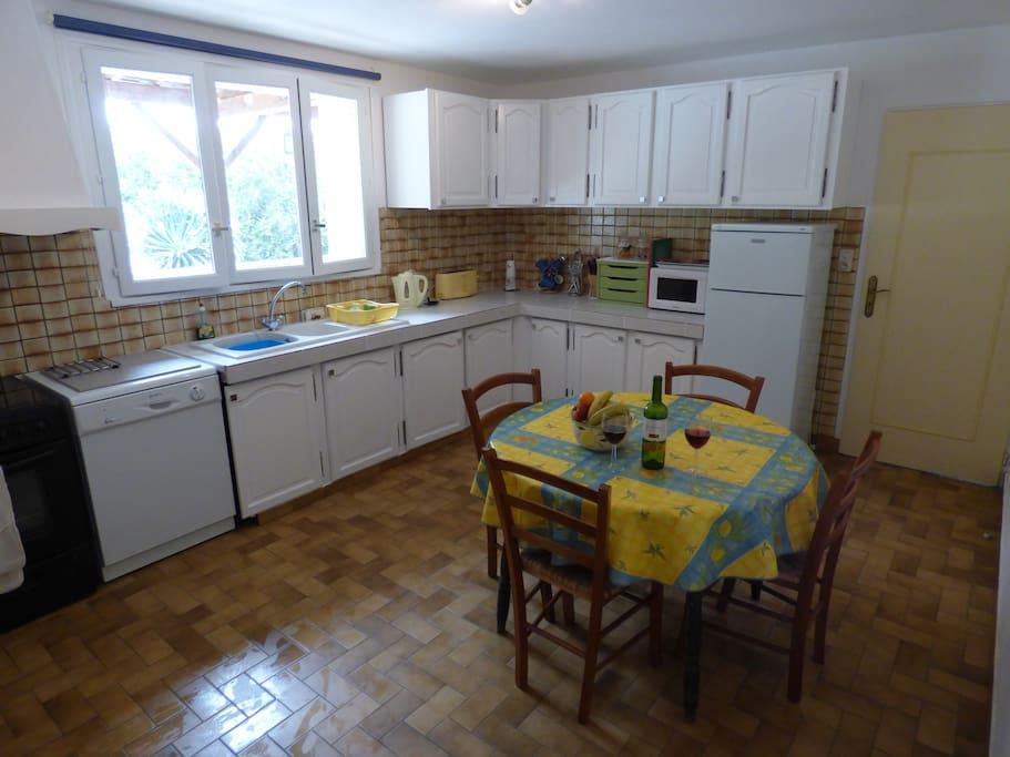 Kitchen / Breakfast Room at L'Ecurie
